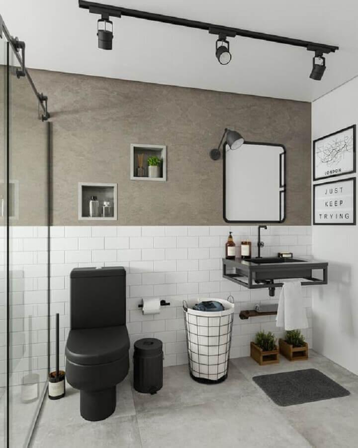trilho de luz para decoração de banheiro simples branco e cinza  Foto Arkpad