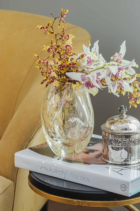 Vaso de orquídea de vidro para sala de estar sofisticada