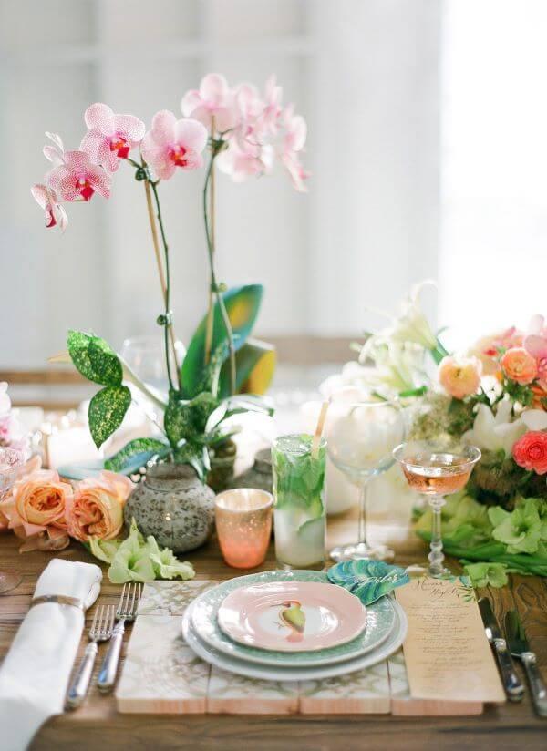 Vaso de orquídea rosa claro