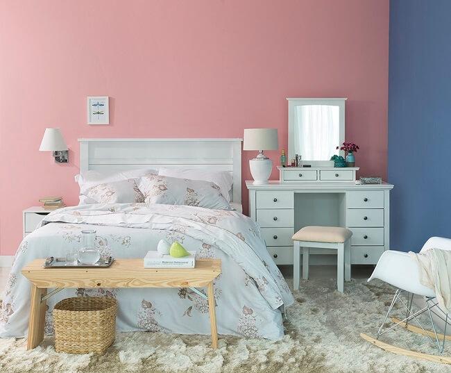 Tendências para quartos em 2021: tapetes, cortinas e jogos de cama devem formar uma combinação aconchegante