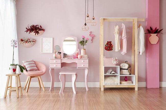 Tendências para quartos em 2021: não tenha medo de trazer um toque colorido para o dormitório