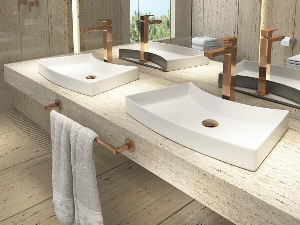 Ambiente compartilhado com cuba de apoio para banheiro Deca
