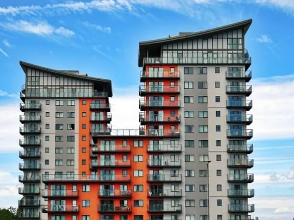 Ao comprar uma cobertura normalmente você se depara com projetos onde o terraço é aberto e exclusivo ao proprietário