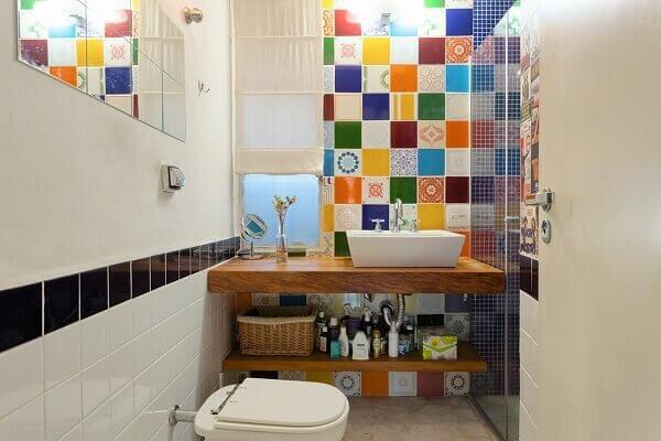 Revestimento colorido para banheiro