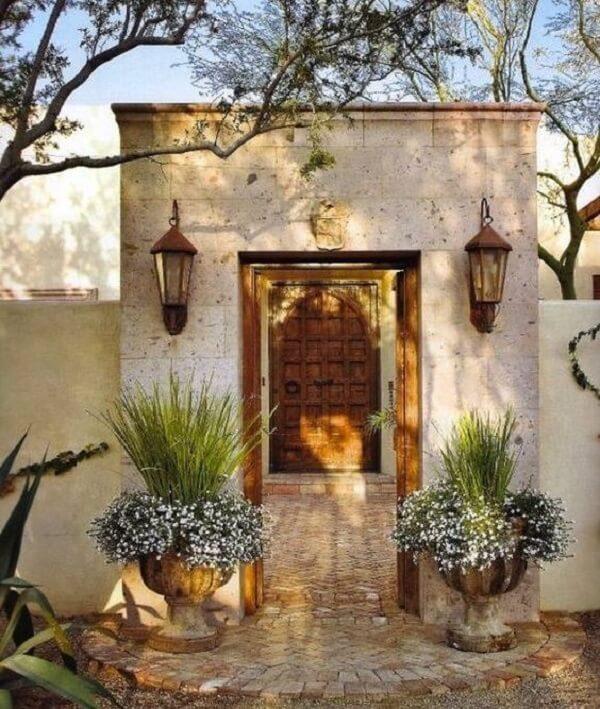 Decora a fachada da casa com arandela de parede colonial