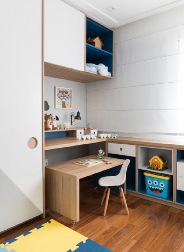 Escrivaninha de madeira móvel para quarto infantil