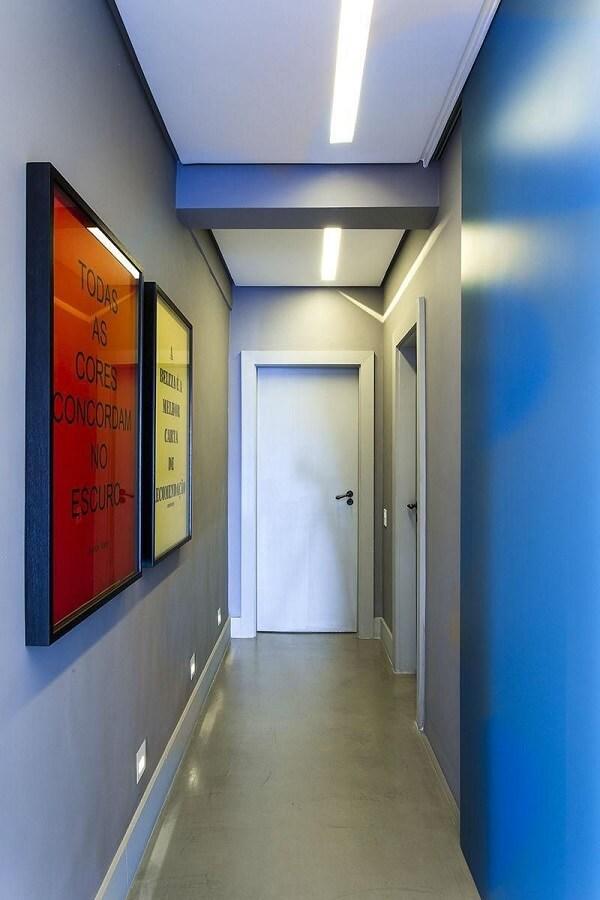 Invista em lâmpadas de LED na luminária para corredor interno