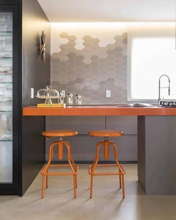 Modelo de revestimento para parede de cozinha em formato hexagonal