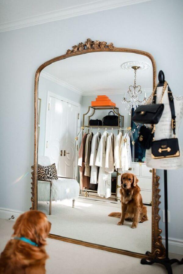 O espelho vintage é um elemento útil na composição de ambientes