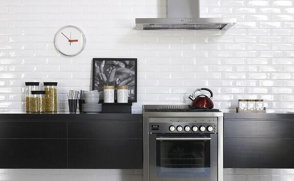 Revestimento de parede branco para cozinha minimalista