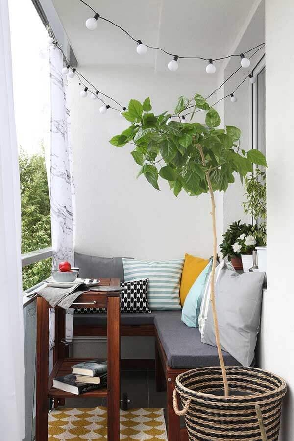 almofadas para canto alemão de varanda pequena e simples  Foto Pinterest