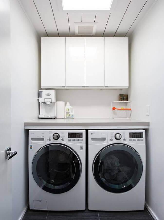 armário aéreo para lavanderia pequena com decoração simples Foto Pinterest