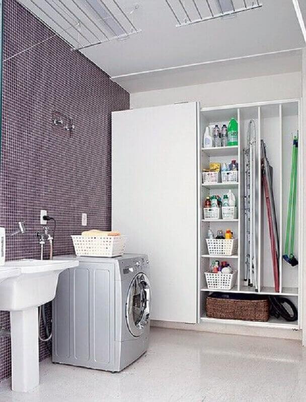 armário multiuso para lavanderia com decoração simples Foto Pinterest