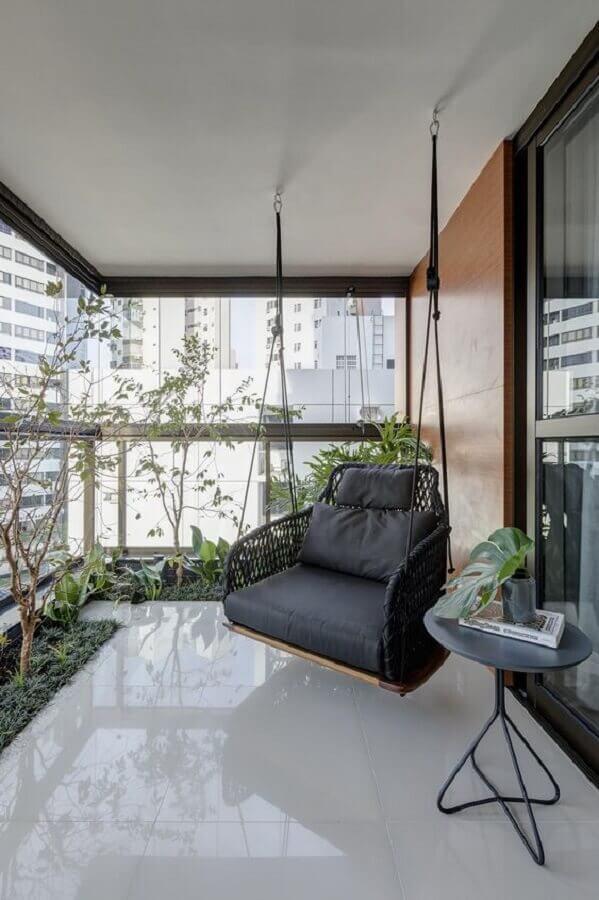 balanço suspenso para decoração de varanda de apartamento Foto GAM arquitetos
