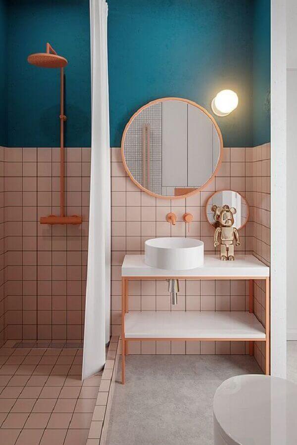 banheiro moderno decorado na cor azul e rosa  Foto Behance