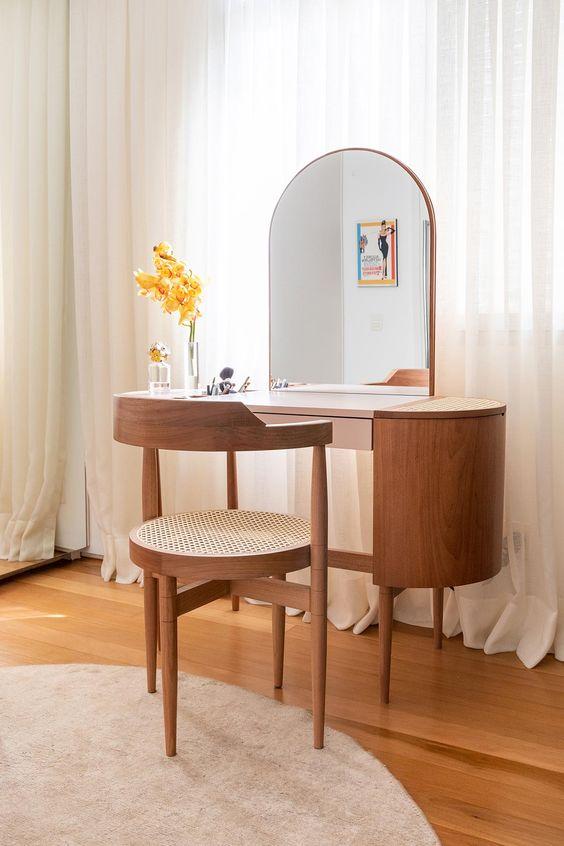 Cadeira para penteadeira de madeira
