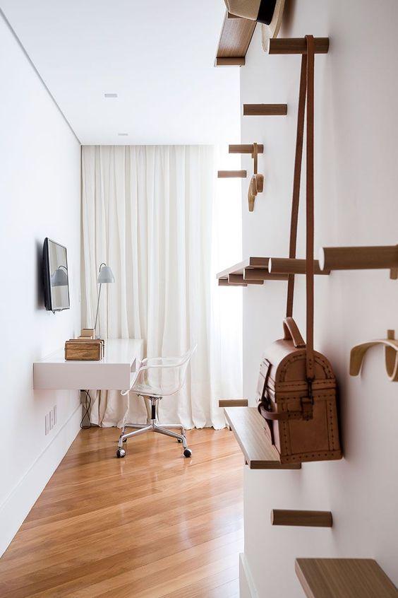 Cadeira transparente para penteadeira