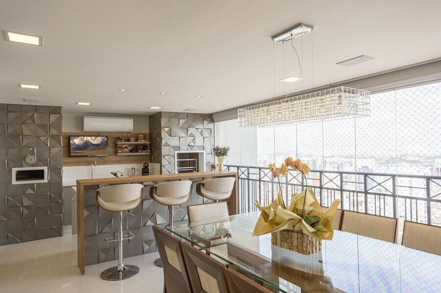 cadeiras e banquetas para área gourmet sofisticada decorada com revestimento 3d Foto Amanda Paglianni Macedo