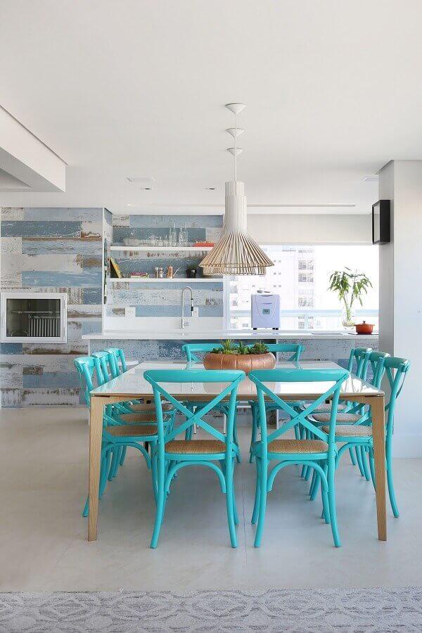 cor azul turquesa para cadeiras de varanda gourmet ampla e clean Foto SP Estúdio
