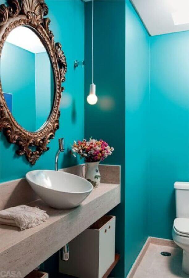 cor azul turquesa para decoração de banheiro com espelho clássico  Foto Pinterest