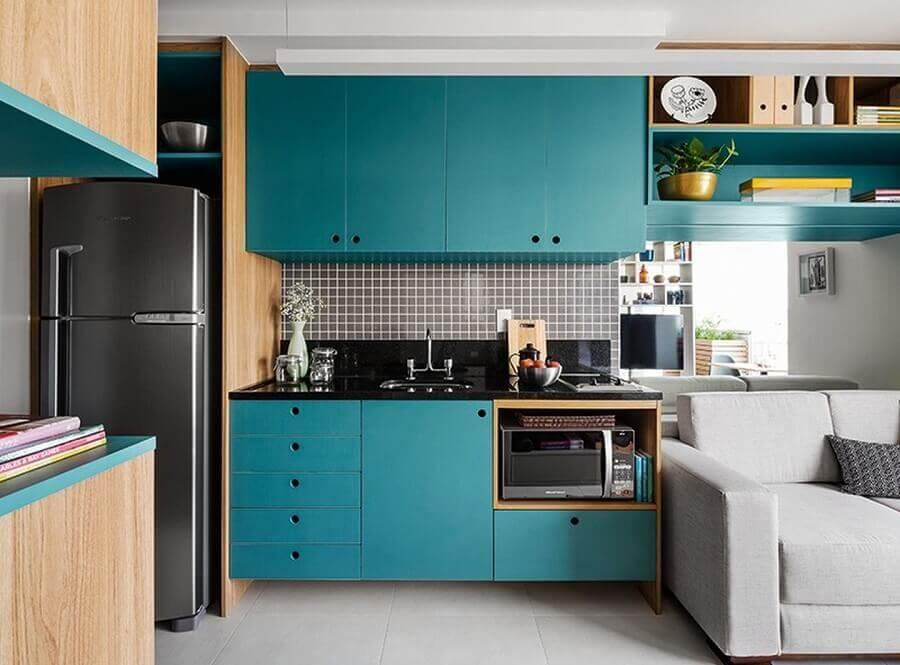 cor azul turquesa para decoração de cozinha pequena planejada  Foto Pinterest