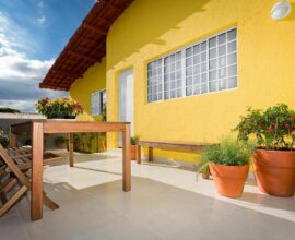 Cores de tinta para área externa amarela - Via: Pinterest
