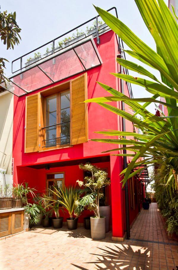 Cores para área externa de casa em vermelho