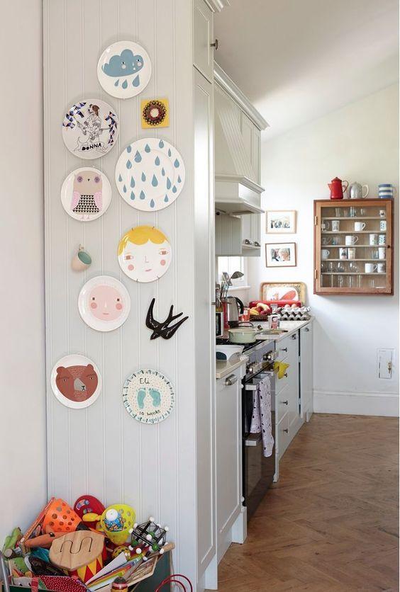Deixe a cozinha mais alegre com os pratos de porcelana