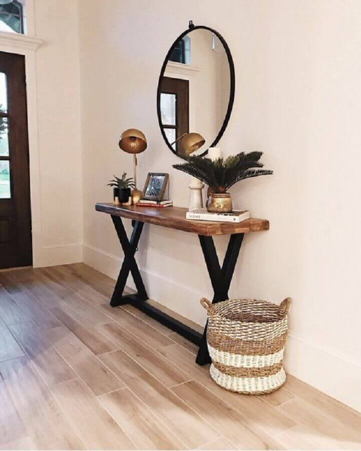 decoração com espelho redondo e aparador para hall de entrada pequeno  Foto Pinterest