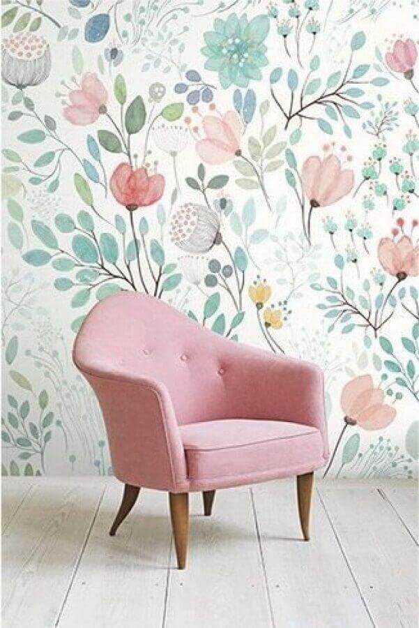 decoração com poltrona rosa e papel de parede floral romântico Foto We Heart It