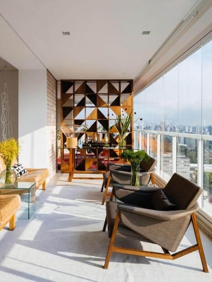 decoração com poltronas para varanda de apartamento moderno Foto Architizer