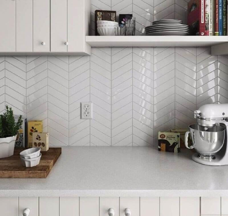 decoração de cozinha branca planejada com revestimento metro white Foto Pinterest