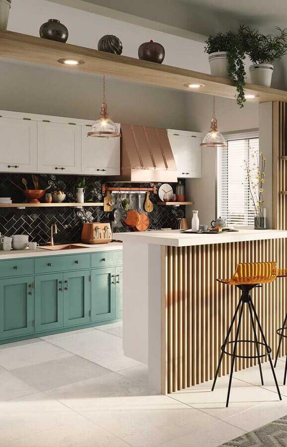 decoração de cozinha com metro white preto e armário clássico Foto Home Fashion Trend