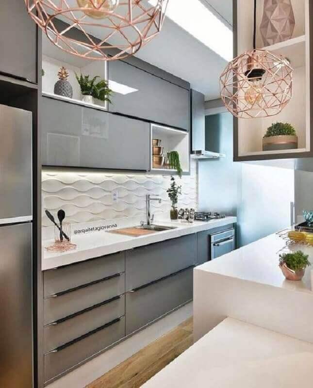 decoração de cozinha moderna com revestimento 3d branco e armário planejado cinza Foto Arquiteta Giovanna