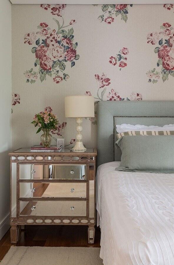 decoração de quarto com papel de parede romântico floral Foto Pinterest