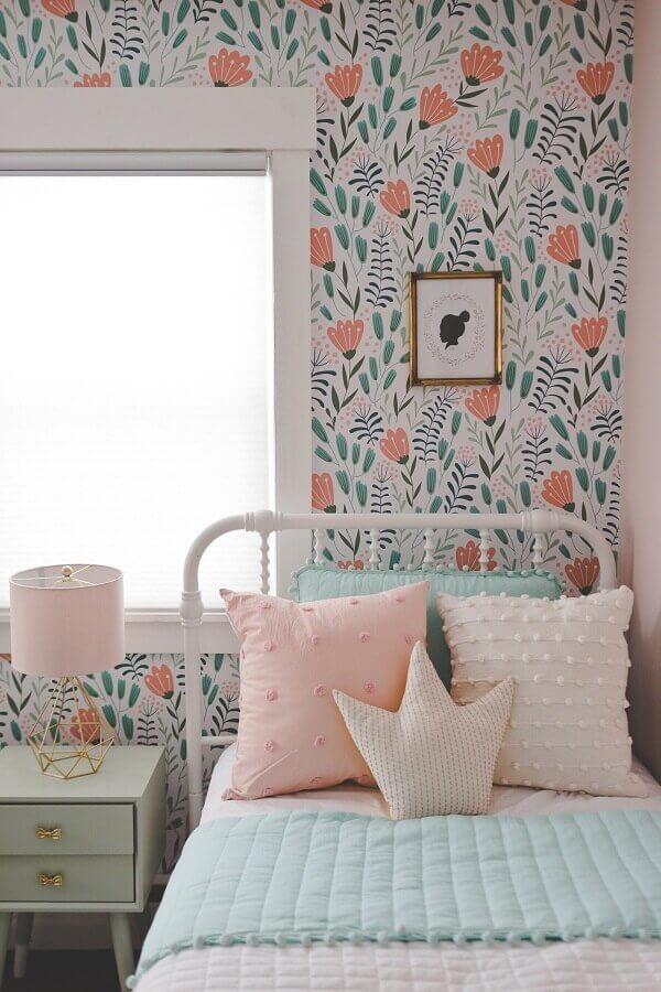 decoração de quarto feminino com papel de parede romântico Foto Etsy