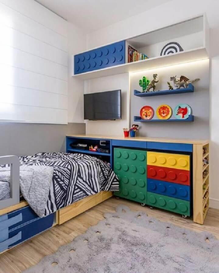 decoração de quarto para criança com móveis planejados coloridos Foto Pinterest