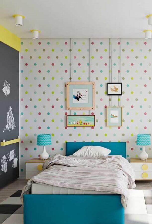 decoração de quarto para criança com papel de parede de bolinhas coloridas Foto Home Fashion Trend