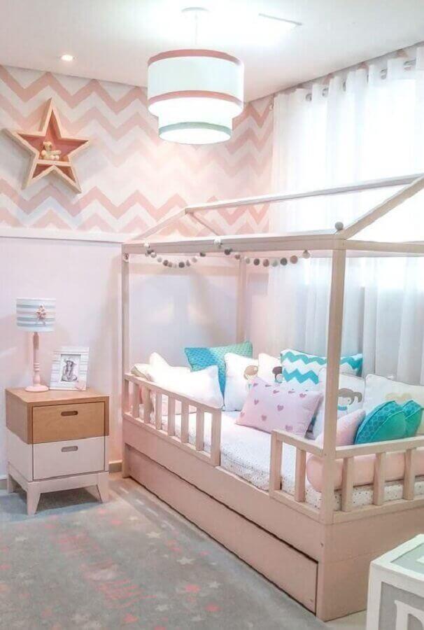 decoração de quarto para criança menina rosa claro com cama casinha Foto Pinterest