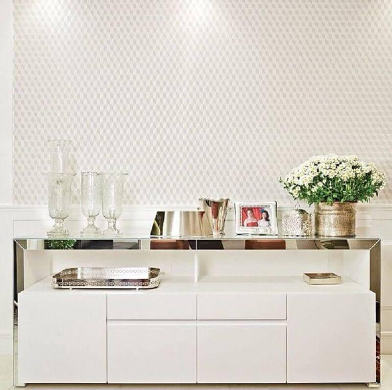 decoração de sala de jantar com buffet pequeno espelhado Foto DecorMundo
