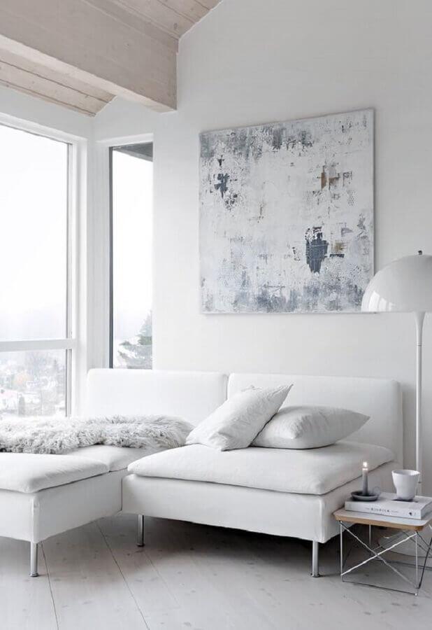 decoração de sala minimalista toda branca com sofá com chaise Foto Pinterest