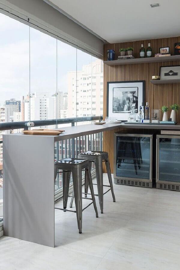 decoração de varanda de apartamento planejado com barzinho Foto Casa de Valentina
