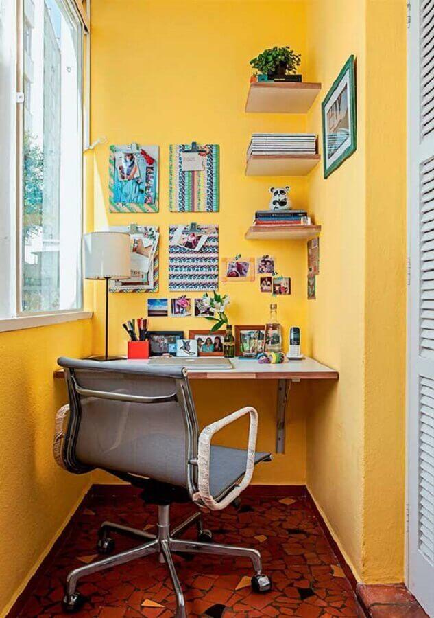 decoração de varanda pequena e simples com home office  Foto Pinterest