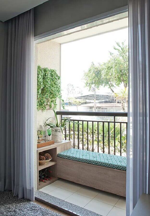 decoração de varanda pequena simples com banco e barzinho planejado Foto Homify