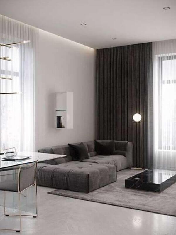 decoração minimalista para sala em tons de cinza com sofá confortável Foto Pinterest