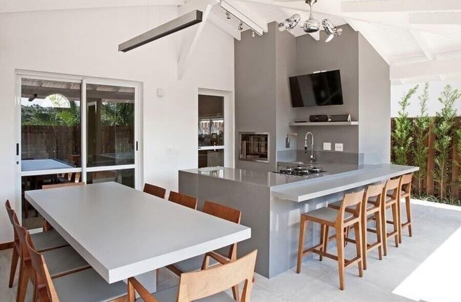 decoração moderna com banquetas de madeira para área gourmet Foto Casa Decorada