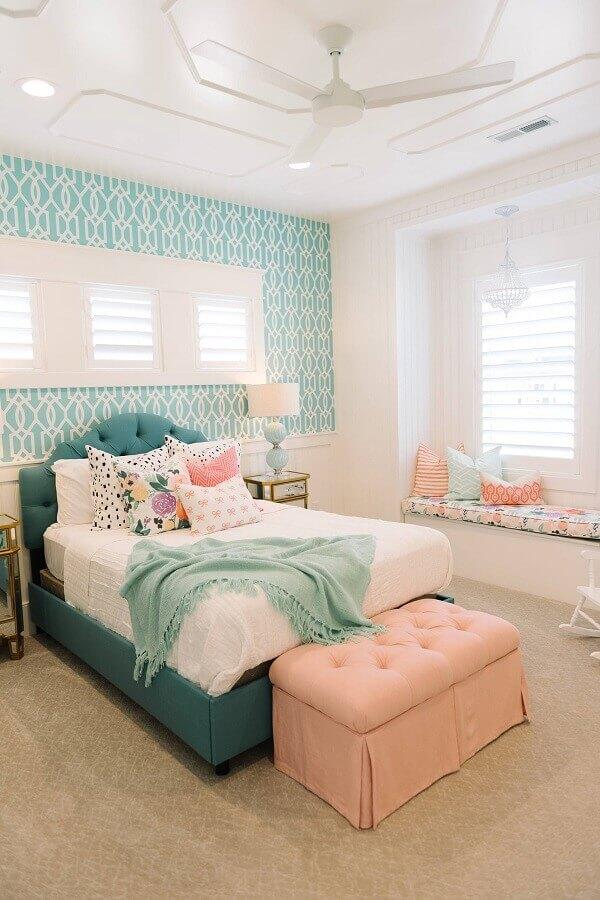 decoração romântica para quarto de adolescente feminino verde e rosa  Foto Houzz