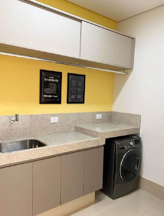 decoração simples com armário para lavanderia planejado em cores neutras  Foto Pinterest