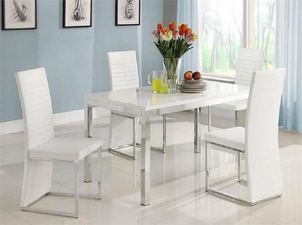 Mesa cromada 4 cadeiras com acabamento em branco
