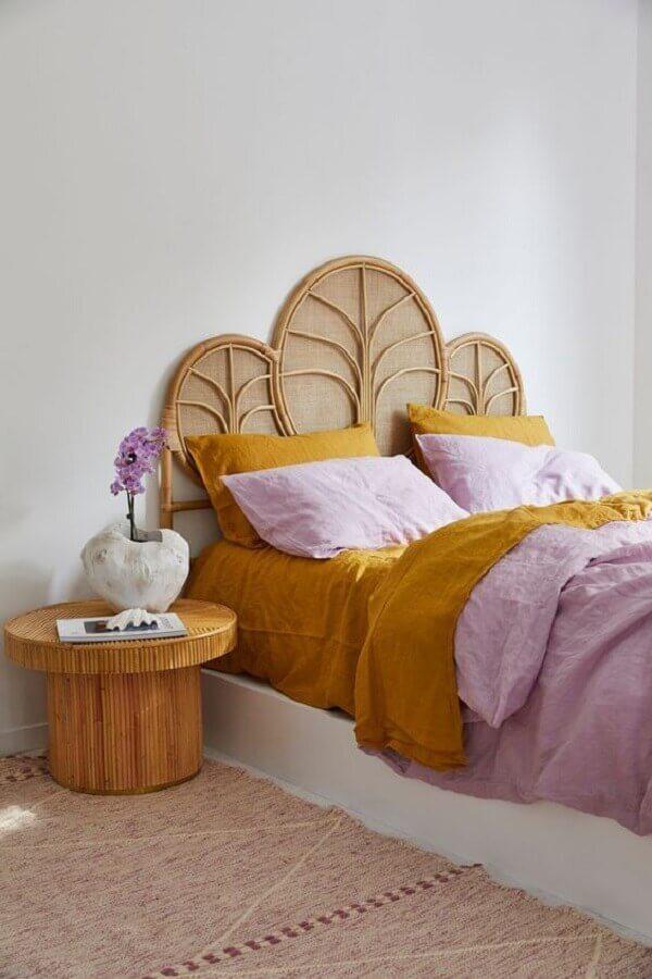 mesa de canto redonda de madeira para quarto simples Foto Home Fashion Trend